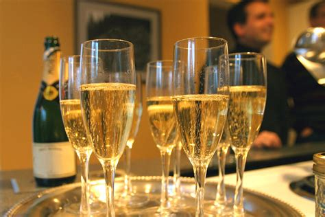Drinking three glasses of champagne 'could help prevent