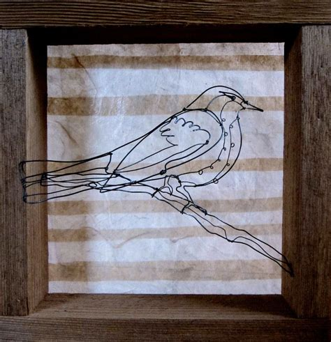 Robin with stripes   Wire art, Wire crafts, Art gallery