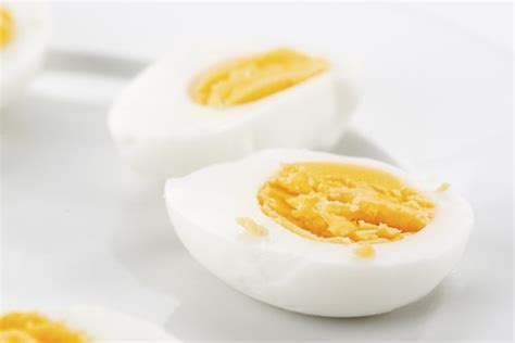 5 EASY Ways - How To Cook Eggs In The Microwave